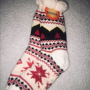 Shoes - NWT Tall Sock Style House Shoes One Size Fits All